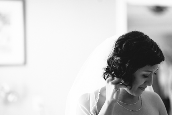 bridal portrait at winery in aurora ontario