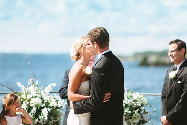 first kiss wedding photography in parry sound.