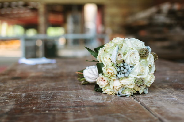 wedding flowers at the toronto don valley brickworks