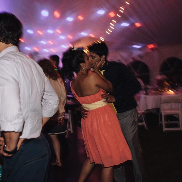 kiss at the wedding