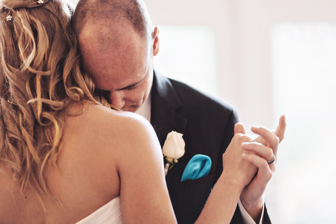 first dance wedding photo inspiration
