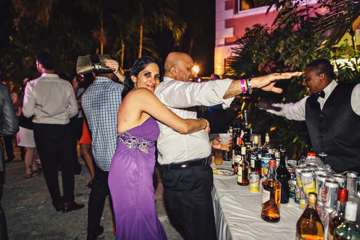 grey cliff hotel bahamas wedding photos