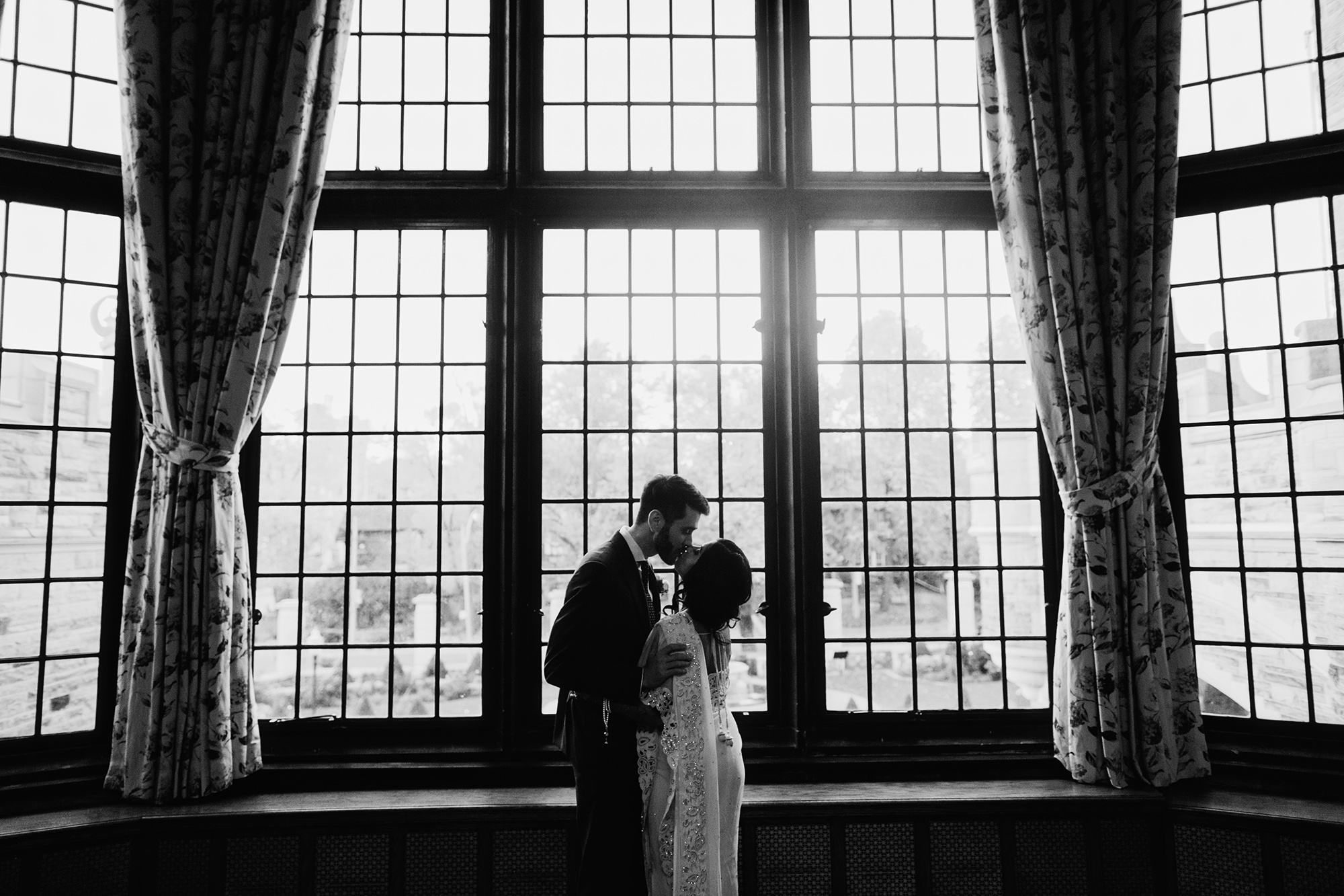 casa-loma-toronto-wedding-photos-0059