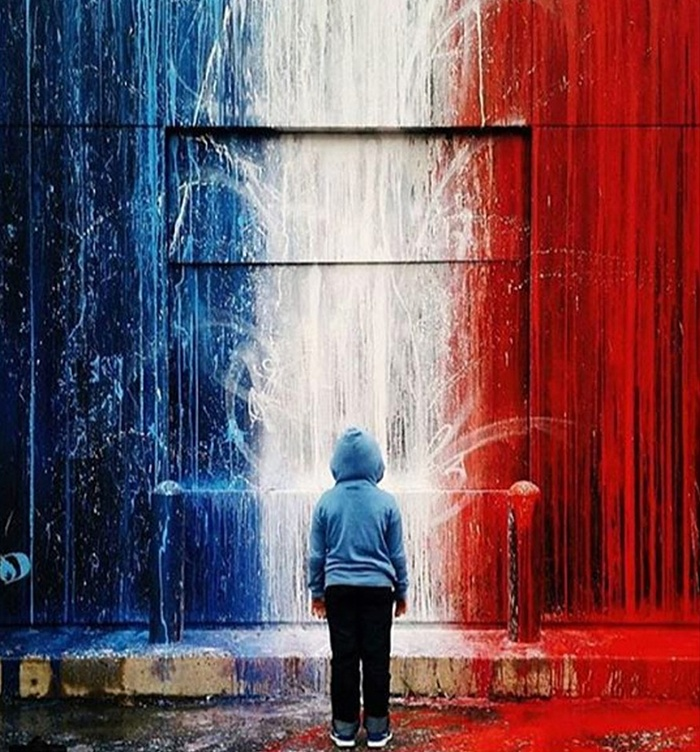 Spray for Paris16.jpg