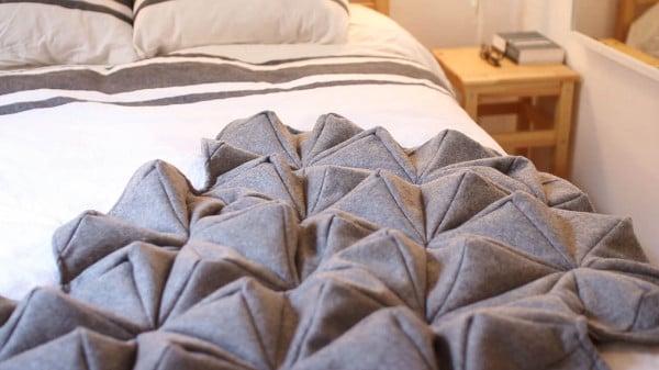 Bloom-Origami-Blanket-Bianca-Cheng-Costanzo-5-600x337.jpg