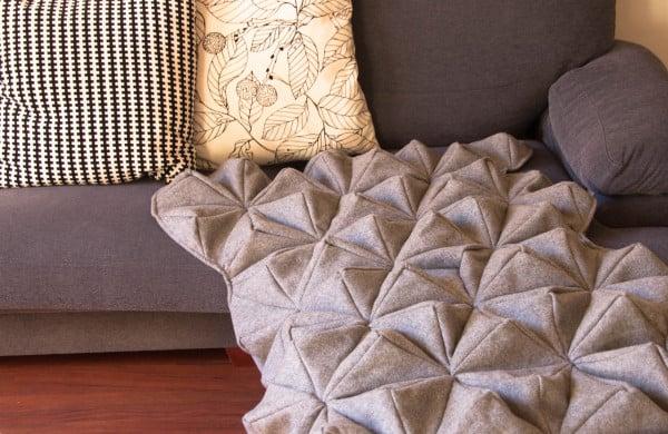 Bloom-Origami-Blanket-Bianca-Cheng-Costanzo-6-600x390.jpg