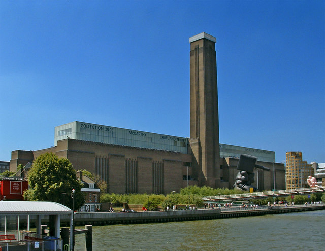 Tate_Modern_viewed_from_Thames_Pleasure_Boat_-_geograph.org.uk_-_307445.jpg
