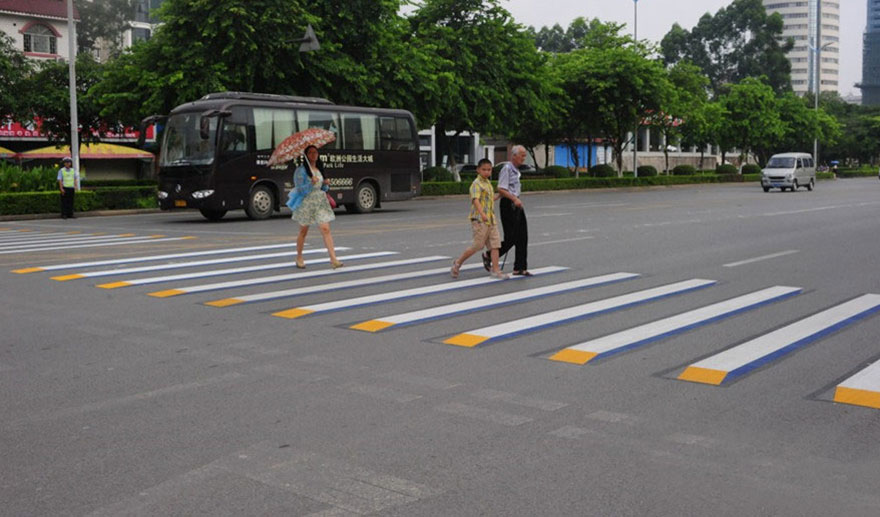 3d-street-art-prevent-speed-breakers-india-5.jpg