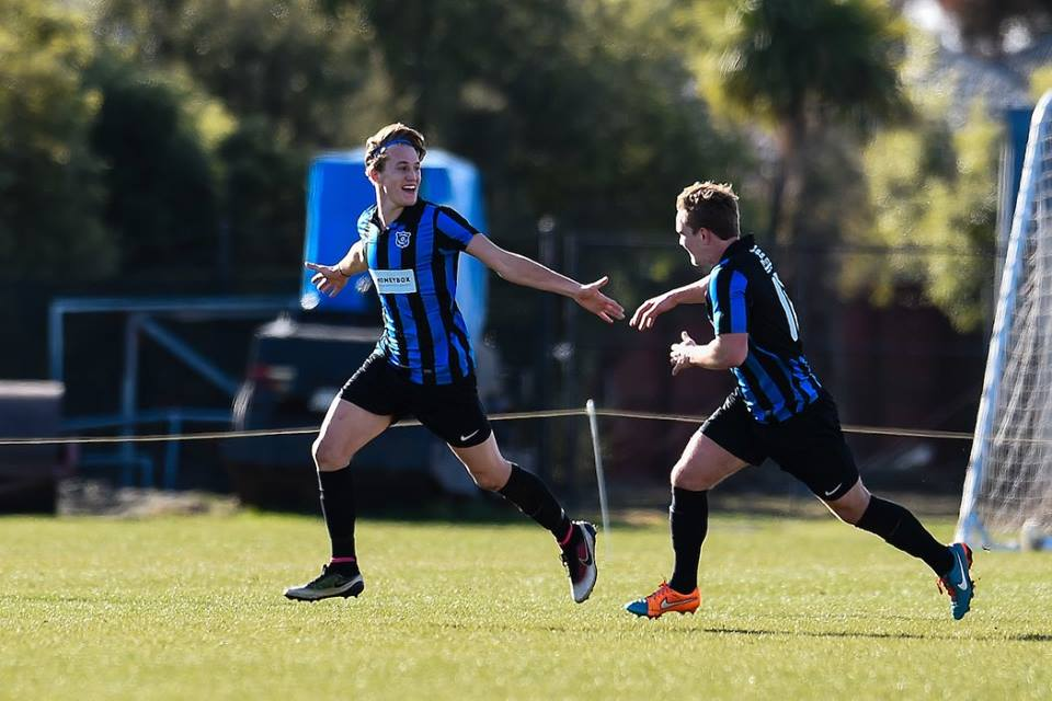 Niko Kirwan fronts for Miramar Rangers in the Chatham Cup, 2016