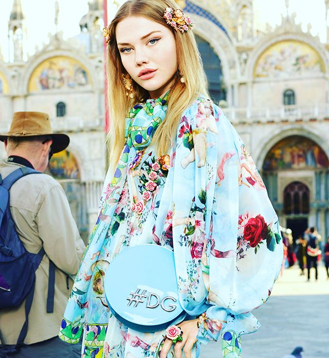 Enamoured with the #dolcegabbana #spring #summer #2018 campaign! #softpastels #boldcolour #artinfusedprints #patternplay #havefun #laughloud #smilelots
