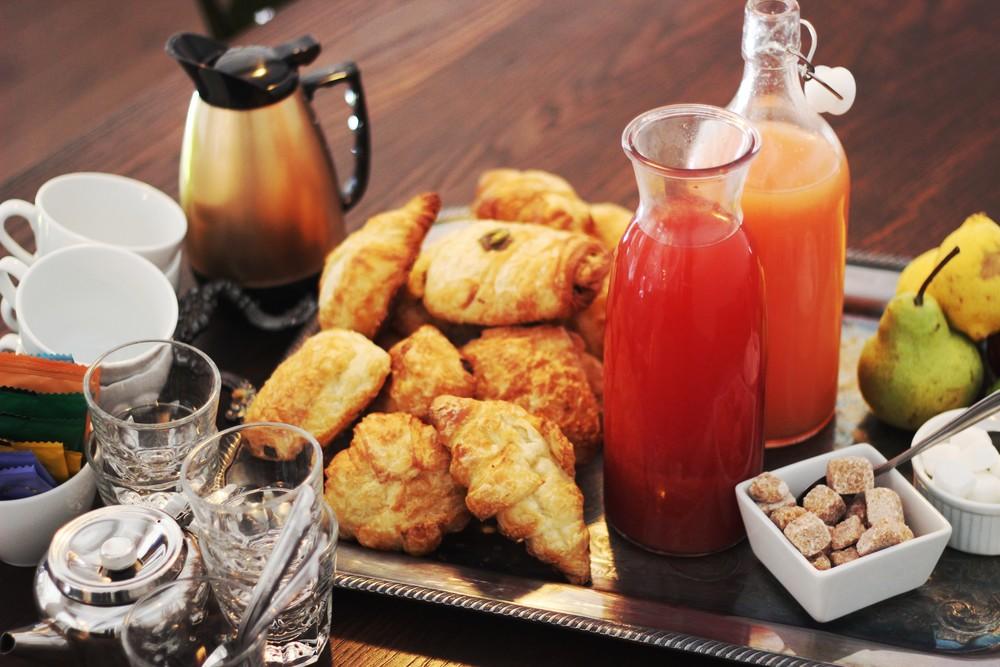 - Plateaux réunion - Boîtes à lunch - Méchoui - Bar à pâtes - Brunch - BBQ Intraitables