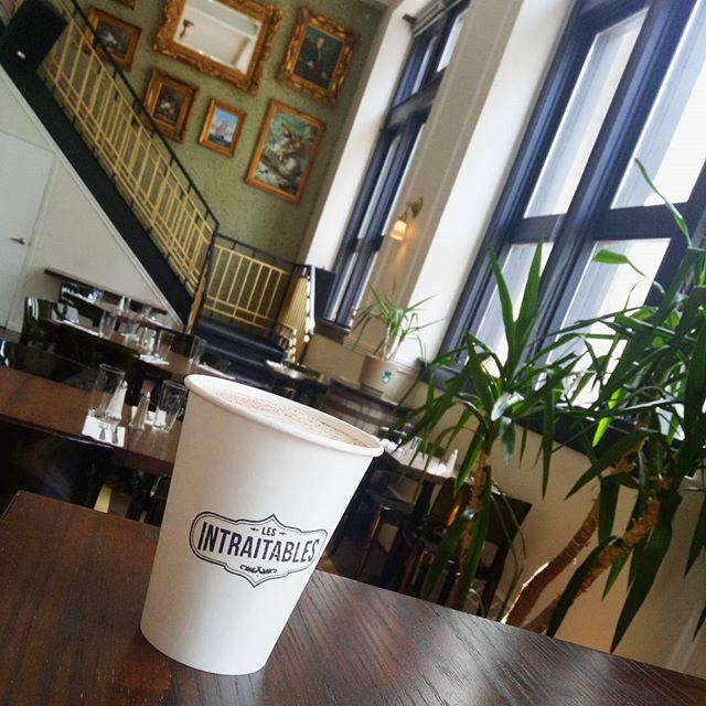 Et si aujourd'hui, vous preniez le temps de déguster un bon café spécialisé? ☕ Ça sent l'automne, c'est idéal! 🍃🍁🍂