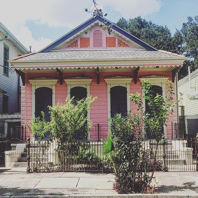 Bywater New Orleans is one of the best neighborhoods I've stayed in/been to. All of the houses look like this. Basically NOLAs Logan Square. Anyone live there?
