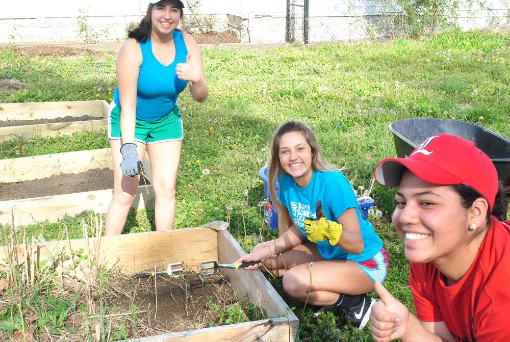 Volunteers Cheesin'.JPG