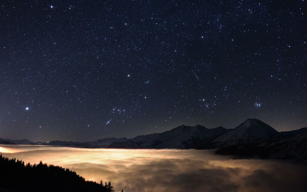 Orion, das Wintersternbild steht über dem Mont Blanc. Foto von Sebastian Voltmer