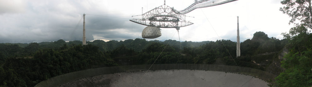 Das Arecibo-Observatorium, Esperanza, Puerto Rico. Foto Kevin McCoy (cc)