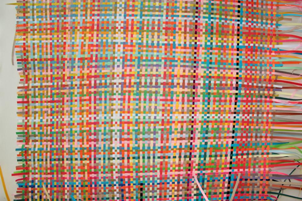 väv av färgat papper