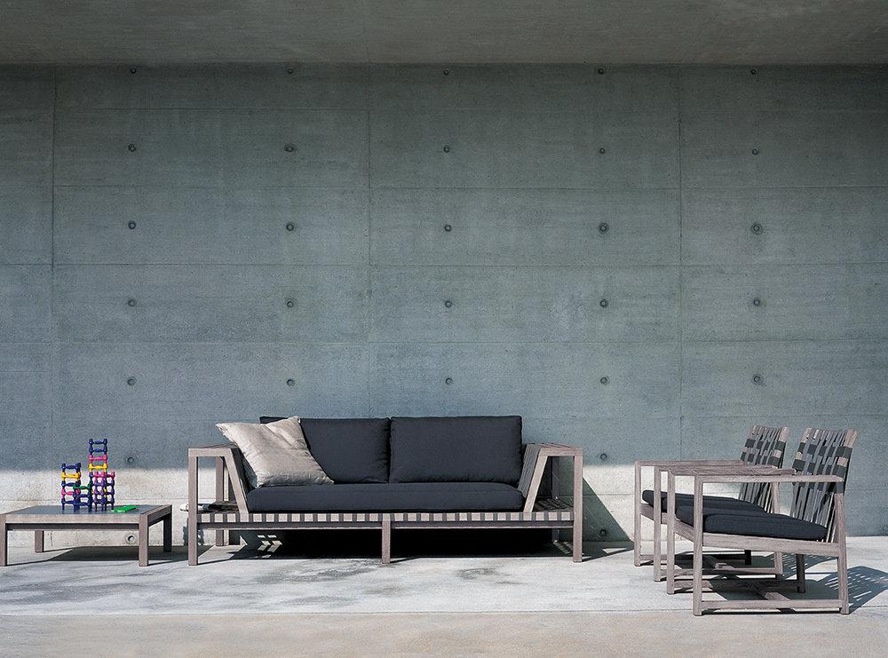 Designmoebelagentur_RODA_NETWORK_sofas_and_lounge chair_aged_teak_low.jpg