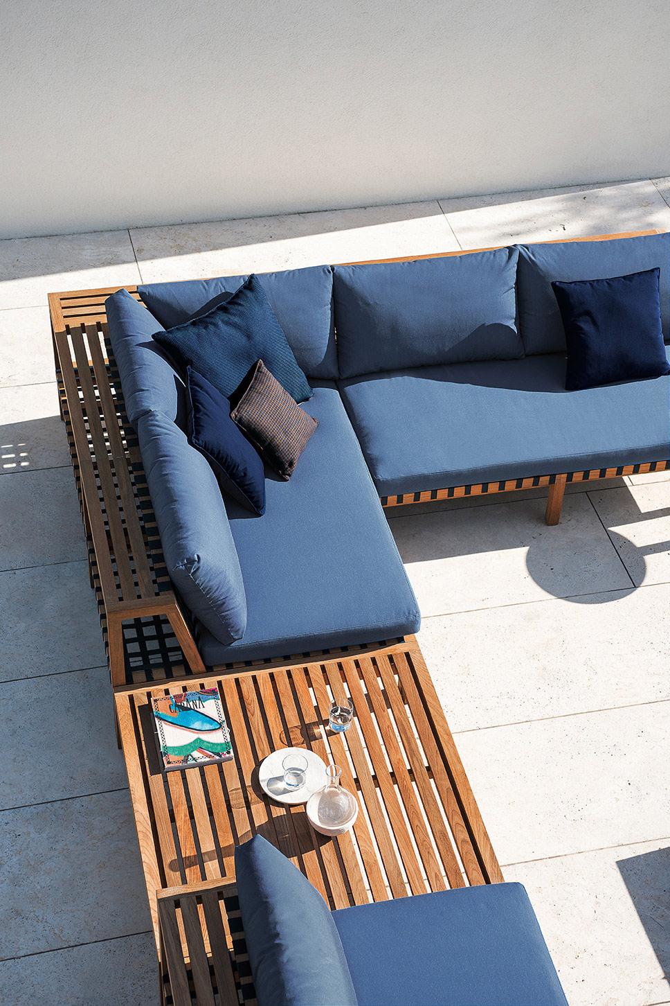 Designmoebelagentur_RODA_NETWORK-sofa-system_blue-belt.jpg