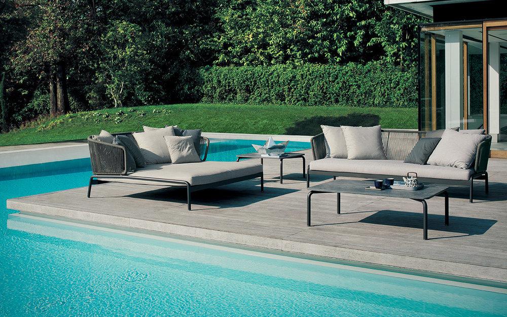 Designmoebelagentur_RODA_SPOOL_sofa_coffee_tables_low.jpg