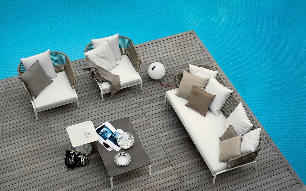 Designmoebelagentur_RODA_SPOOL_sofas_coffee_table_BERNARDO_side_table_low.jpg