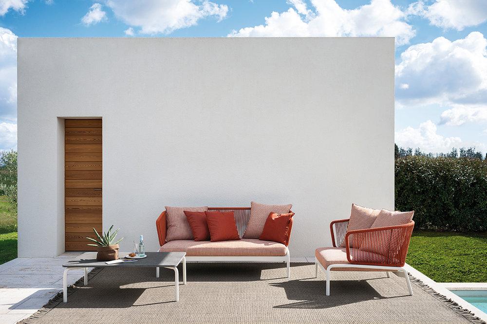 Designmoebelagentur_RODA_SPOOL_sofas_milk orange_low.jpg