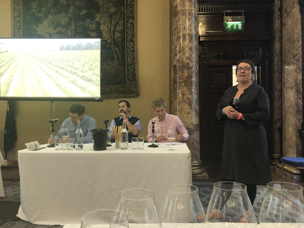 Kate McIntyre MW, VP of Mornington Peninsula Vignerons introducing the Mornington Peninsula wine family.  Image: Sumi Sarma (Sumilier)