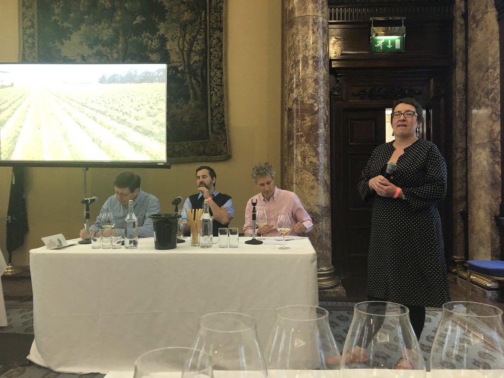 Kate McIntyre MW, VP of Mornington Peninsula Vignerons introducing the Mornington Peninsula wine family.  Image: Sumi Sarma (Sumilier)