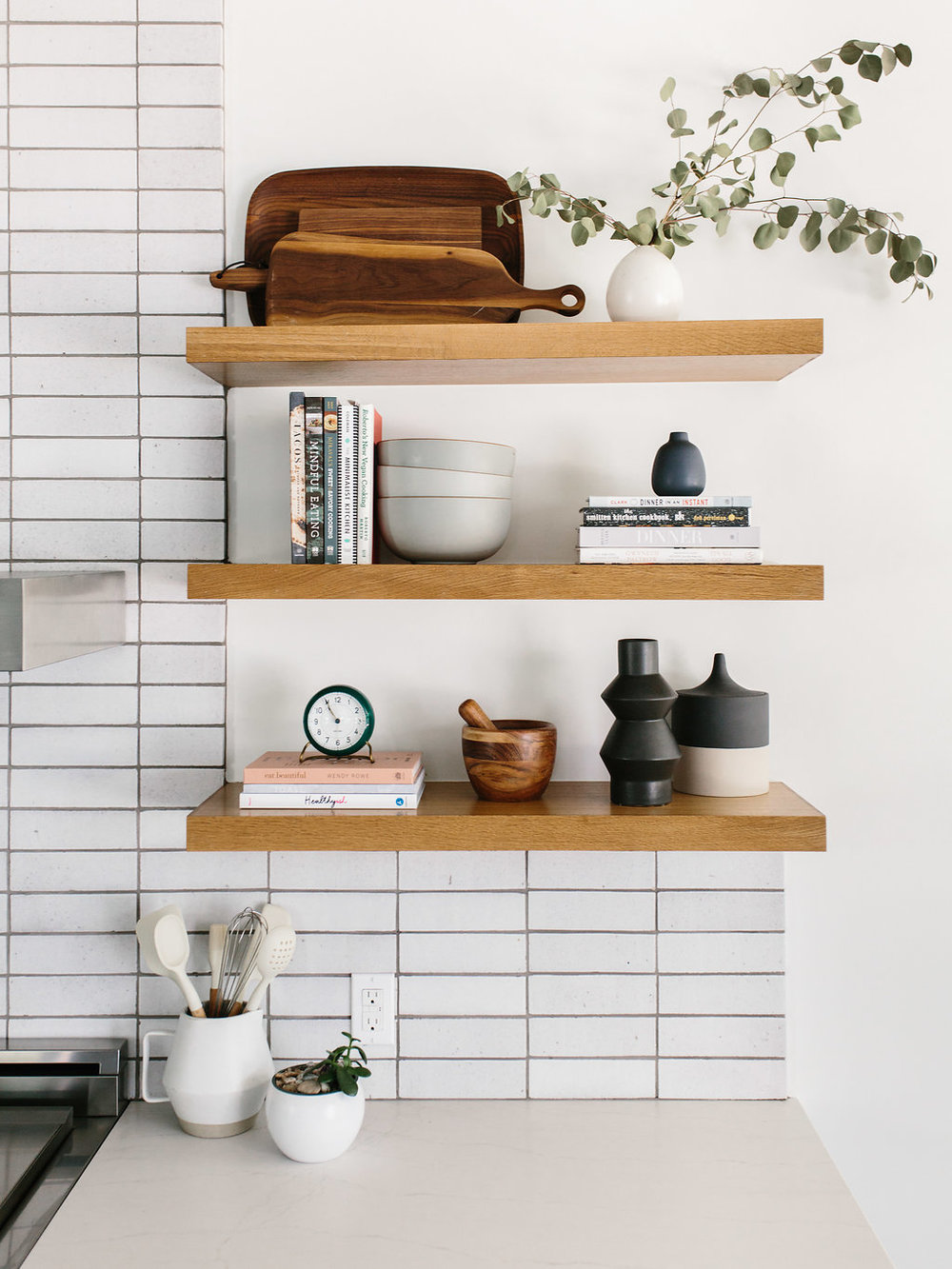 Kitchen-pasadea+shelves.jpg