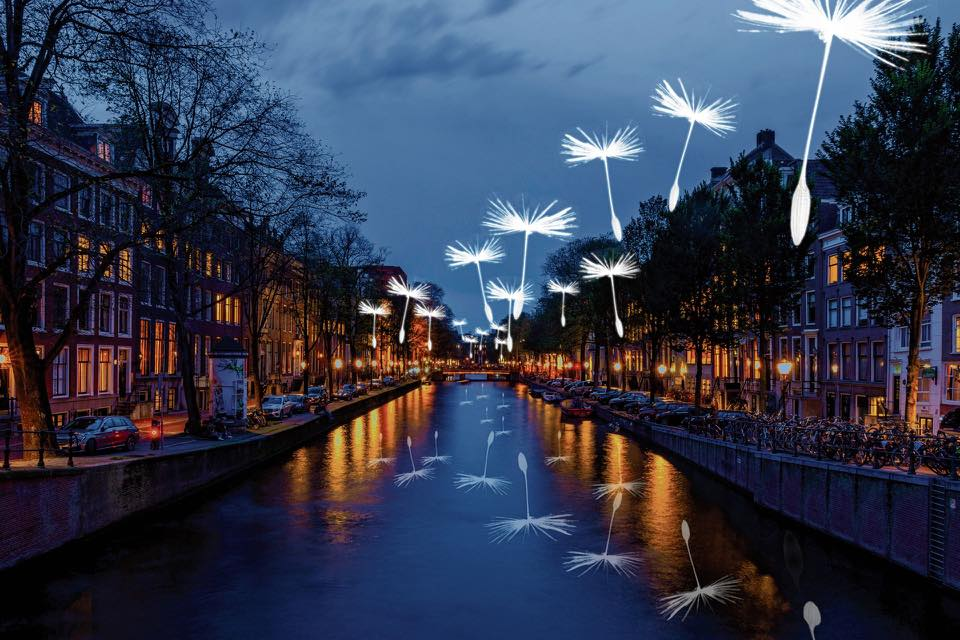 Amsterdamse grachten tijdens het licht festival