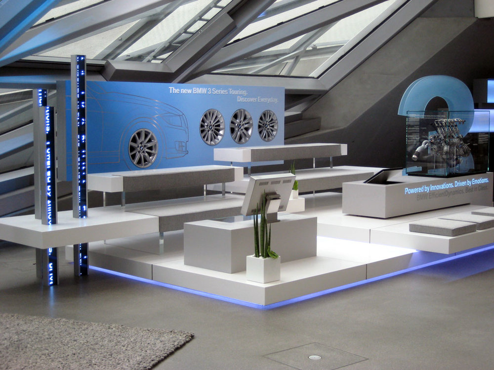 Show-Room-Eigenkonstruktion-Lounge-BMW-Welt.jpg