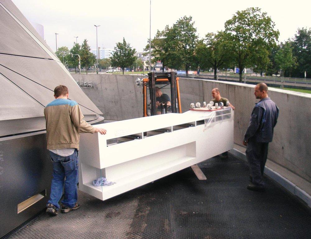 Transport-Tiefgeschoss-BMW.jpg