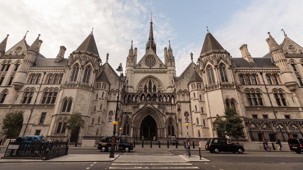 Royal_Courts_of_Justice_-_Wide_Angle_Front.jpg