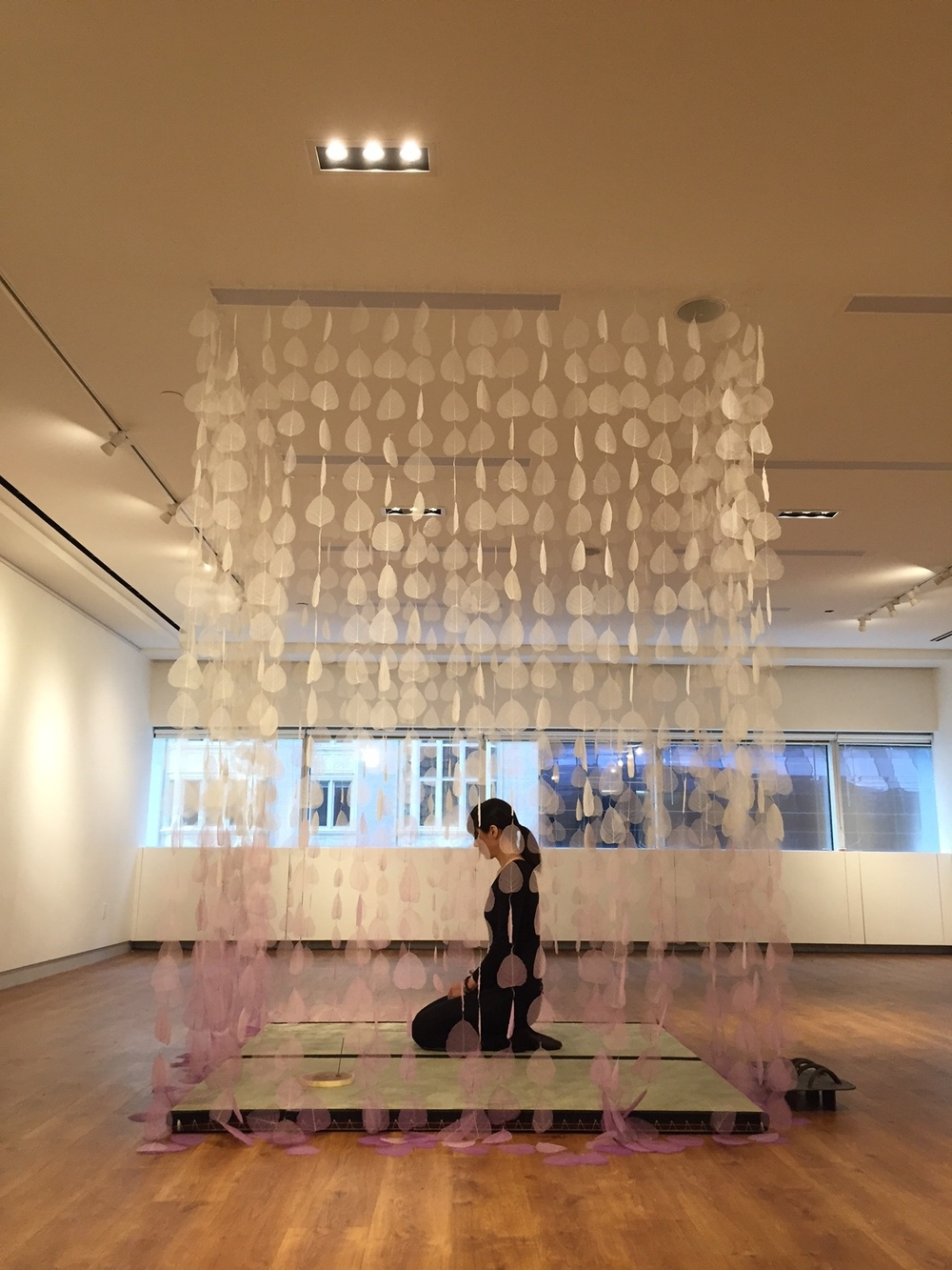 """MEDITATION ROOM"" (MEMORIAL FOR 3/11 TOHOKU EARTHQUAKE AND TSUNAMI), 84"" X 84"" X 84"", DYED BODHI SKELETON LEAVES, MONOFILAMENT, TATAMI MATS, STEEL SCULPTURE, INCENSE. NIPPON CLUB NYC"