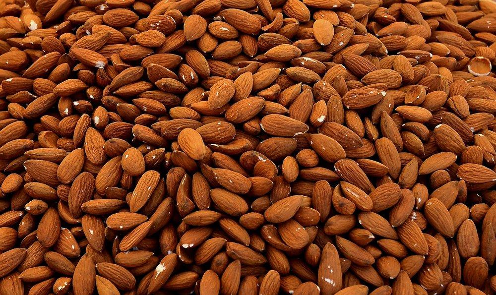 almonds-1571810_1920.jpg