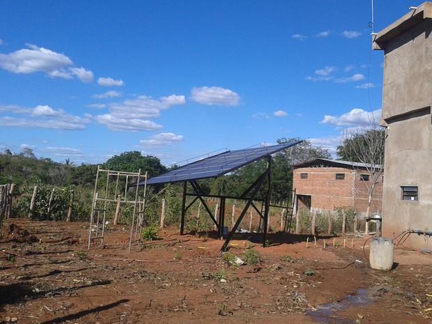 Painel Solar Projeto de Captação de Água.