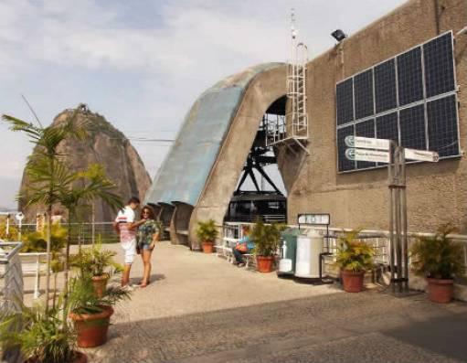 Painéis solares instalados no Bondinho, no RJ.  Imagem: Diário do Comércio .