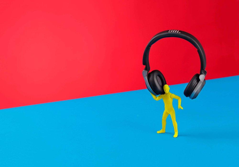Headphones+v5+adobe+rgb_a3+en+doek_bleed.jpg