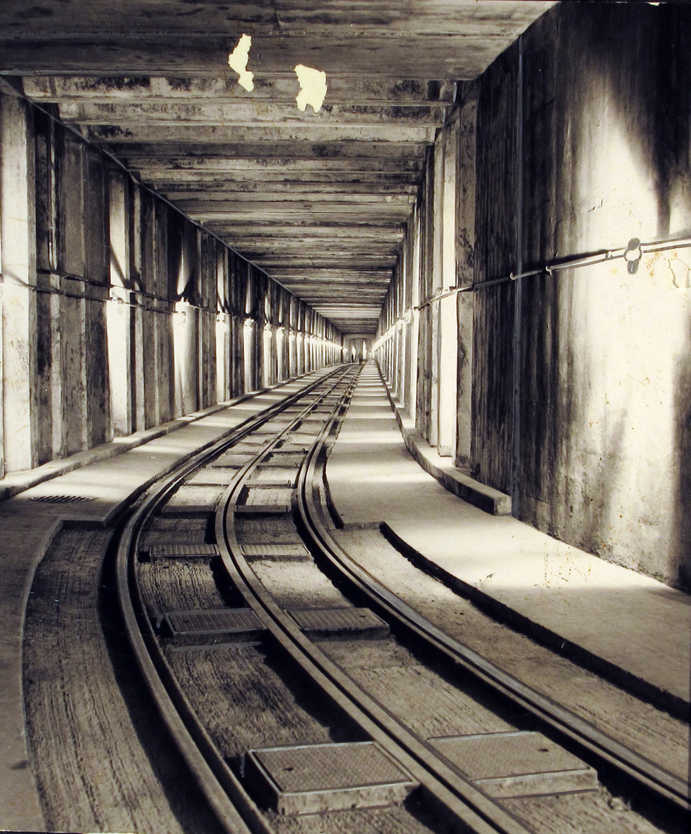 tunnel1950s.jpg