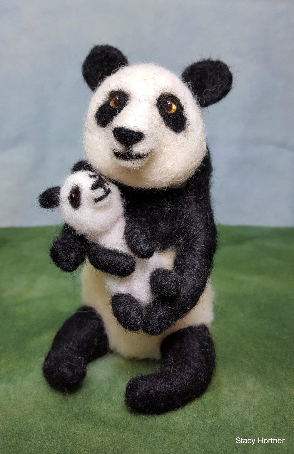 Mama panda and baby