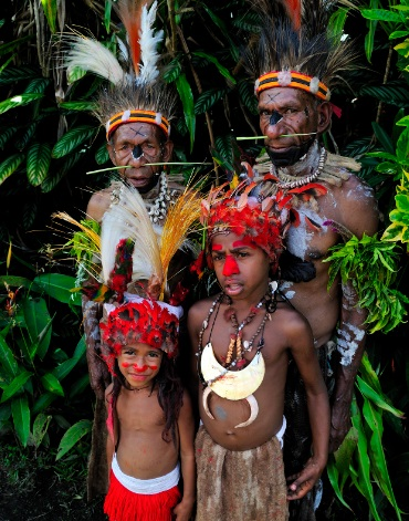 ww-PNG-chief-family.jpg