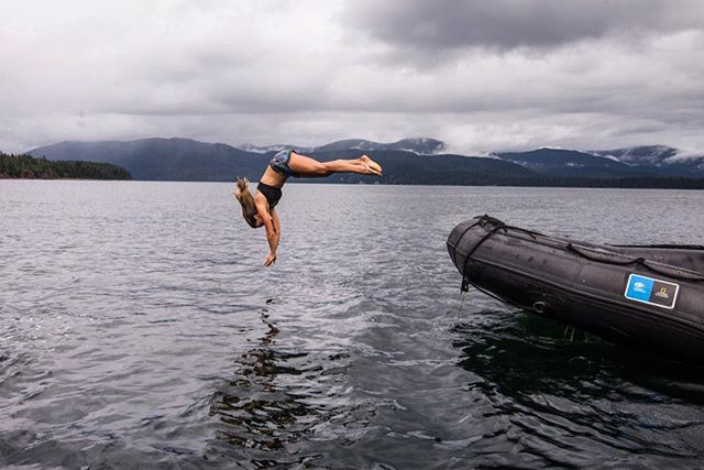 This week marks my official start of a Ph.D program at Oregon State University, and although I feel way more outside of my comfort zone today than I did this day in Southeast Alaska, it's a great reminder that if you're going to jump into a new personal challenge, you've got to fully commit! (And you might as well plunge headfirst) 💁♀️P.C. Lauren Bulchholz #mondaymotivation #noturningback #allin #challengeyourself #headfirst #polarplunge #worthit #southeast #alaska #itsactuallynotthatcold