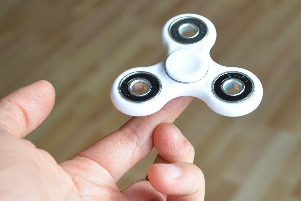 Hand-Fidget-Spinner-Fidget-Spin-Spinner-Fidgeting-2363626.jpg