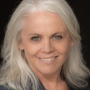Laurie Adams Headshot.jpg