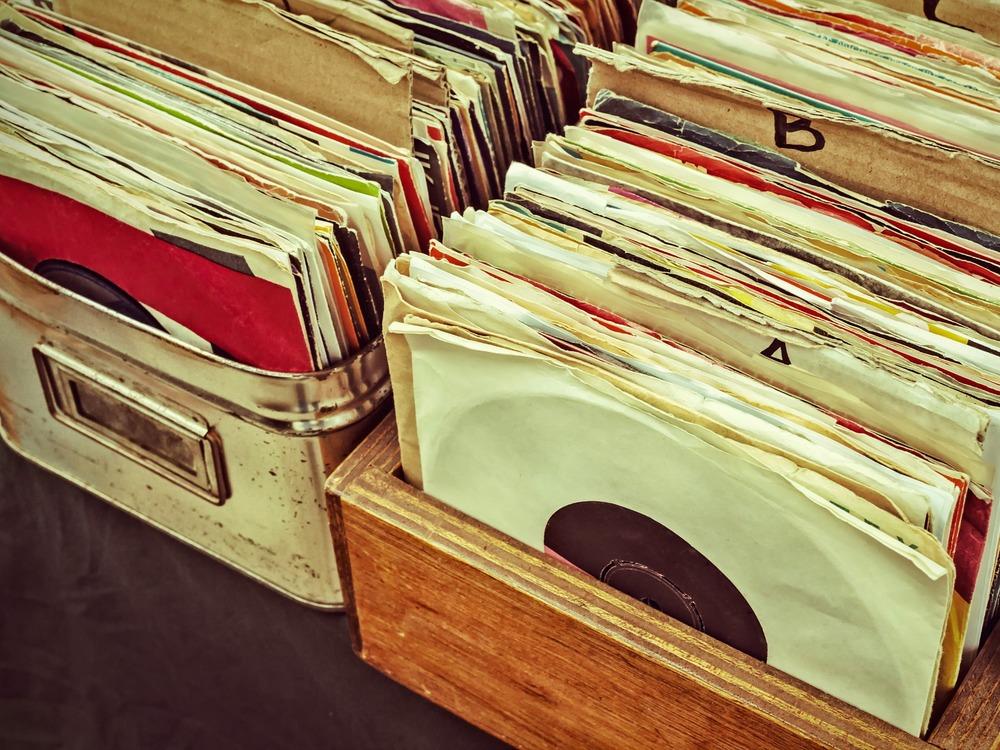 5493389b75c4333528ffc4f4_record-store.jpg