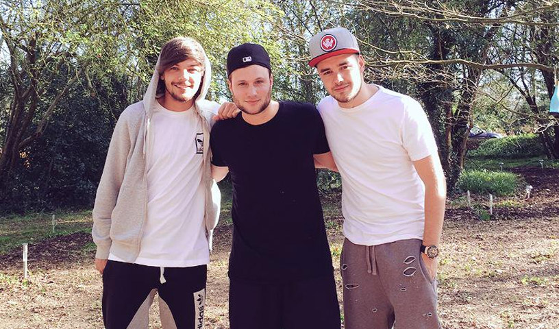 Louis-Tomlinson-and-Liam-Payne-with-songwriter-Jamie-Scott.jpg