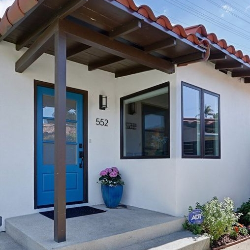 Home Staging Entrance - Redondo Beach