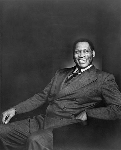 Paul Robeson looking dapper, 1938