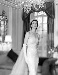 1950s costume elegance