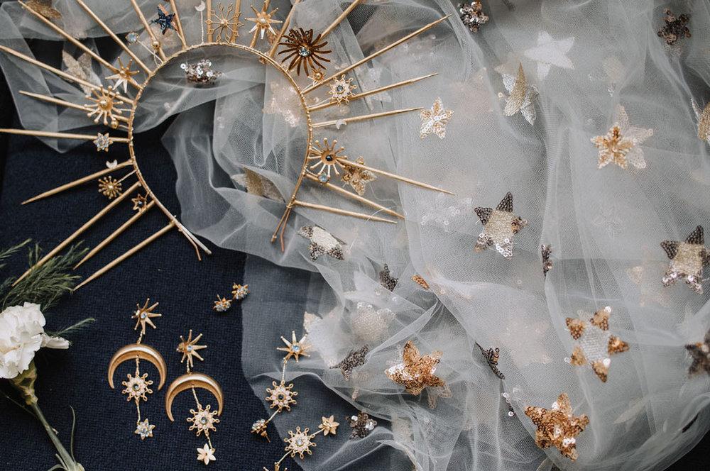 Photo by  Zibetti Photo & Film   Jewelry & Headpiece by  Natalie Wynn Design   Photo found via  Green Wedding Shoes